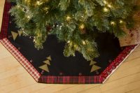 Christmas Tree Skirt - Black